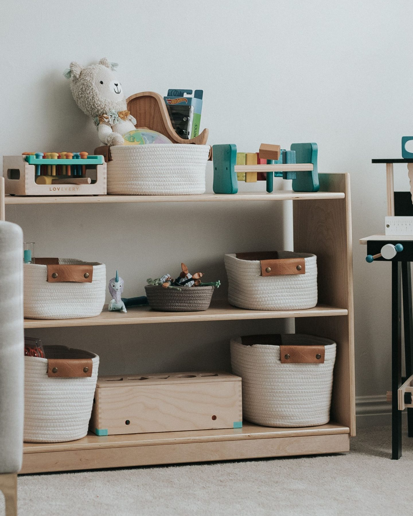 5 Tips for Successful Spring Cleaning and Decluttering